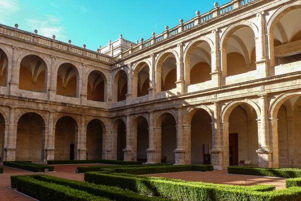 Monasterio de San Miguel de los Reyes