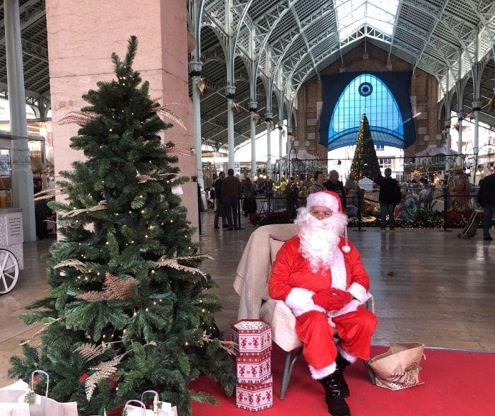Papa Noel en el Mercado de Colón