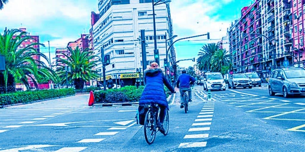 Carril bici de la avenida Primado Reig en València